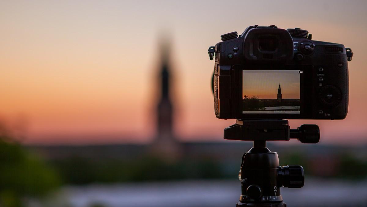 Fotoaparáty, respektive fotoaparát v akci.