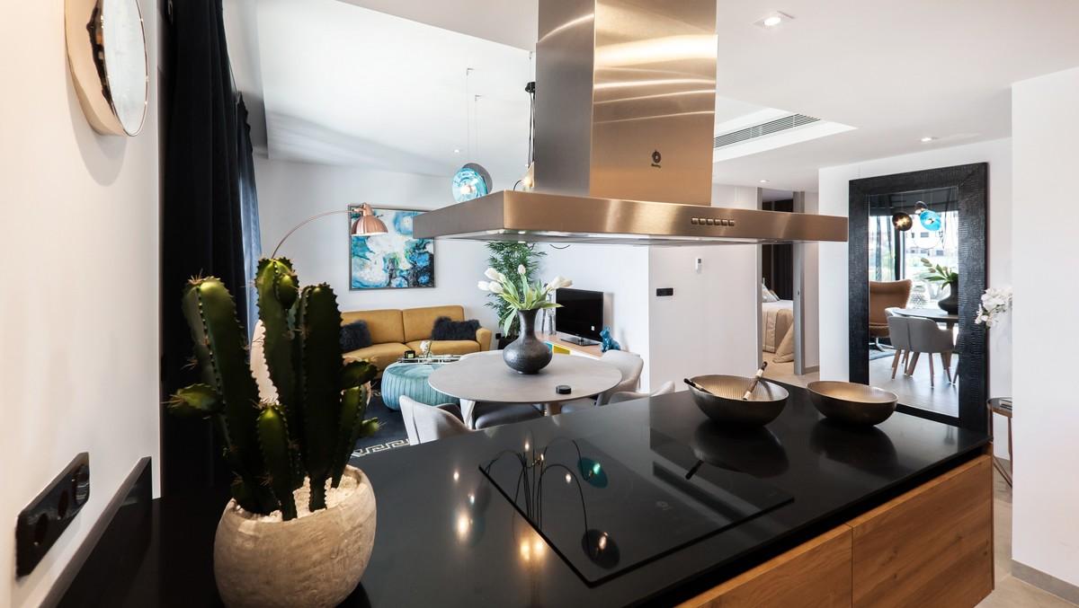 Varná deska v moderní kuchyni.
